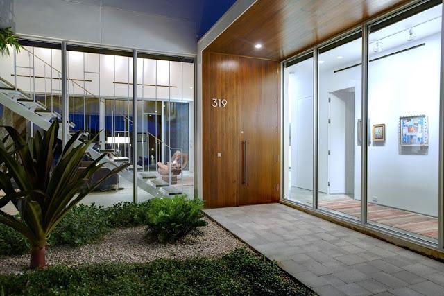 desain pintu rumah minimalis kayu