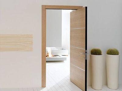 gambar pintu kamar tidur sederhana di rumah minimalis