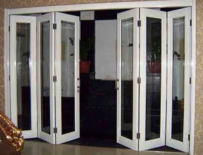 pintu lipat mirip jendela rumah minimalis